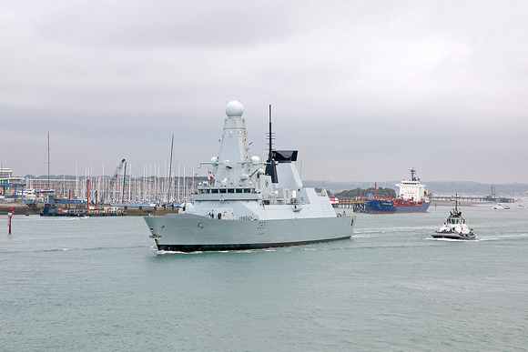 D33 HMS Dauntless 3rd August 2015
