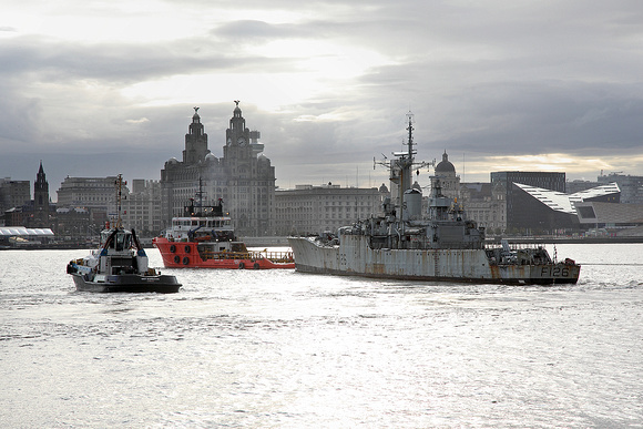 F126 'HMS Plymouth' departing 20th August 2014