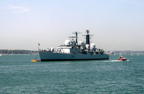 D89 'HMS Exeter' Portsmouth harbour 14th July 2003