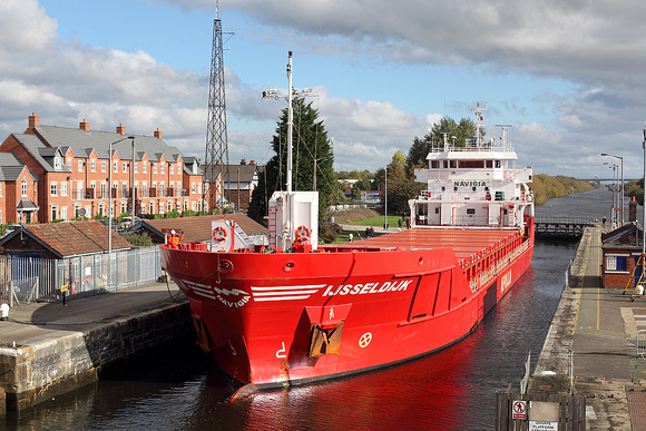 'Ijsseldijk' Latchford locks 23rd October 2016